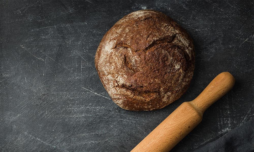 Brot-selber-backen---einfach-köstlich-und-gesund.jpg