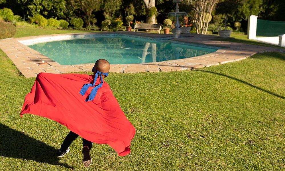 Darf-jeder-im-eigenen-Garten-einen-Pool-bauen.jpg
