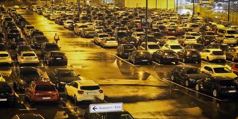 flughafen-parkplatz.jpg