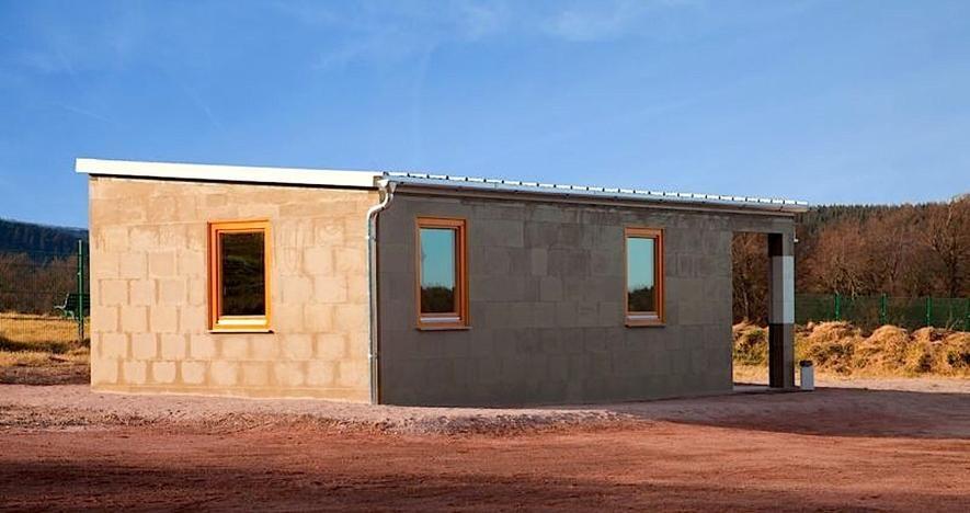Haus-aus-Lego-Steinen_image_width_884.jpg