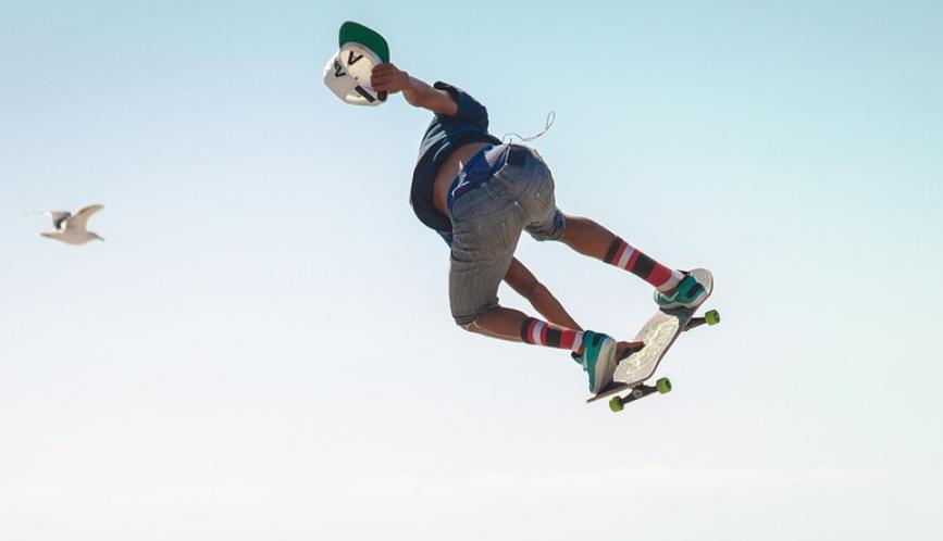 skateboard-jump-fliegt.png