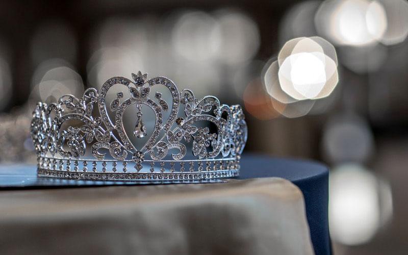 the-crown-krone.jpg