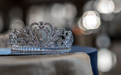 the-crown-krone.jpg