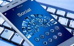 socialmedia-smartphone.jpg